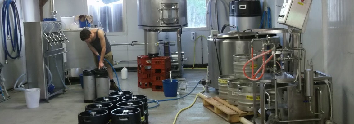 equipment and machines for filling beer into kegs and rinsing kegs