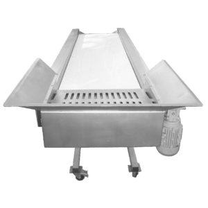 FSC-3000-MG : Sorting table with belt conveyor 3000 kg/hr