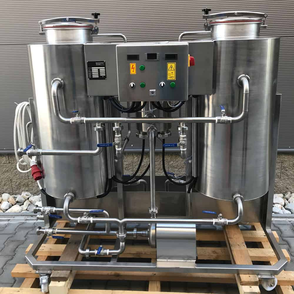 CIP-202 : Cleaning-In-Place machine to the cleaning and sanitizing of vessels and piping routes in breweries with two tanks 200 liters and 70 liters of the neutralizing vessel