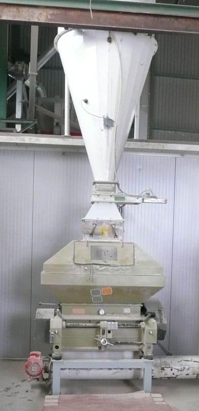 mm Pivovar 10000 01 - MMR-1200: Sladovna - stroj na mačkání sladových zrn, 45kW 9000-11100 kg / hod - široké válce