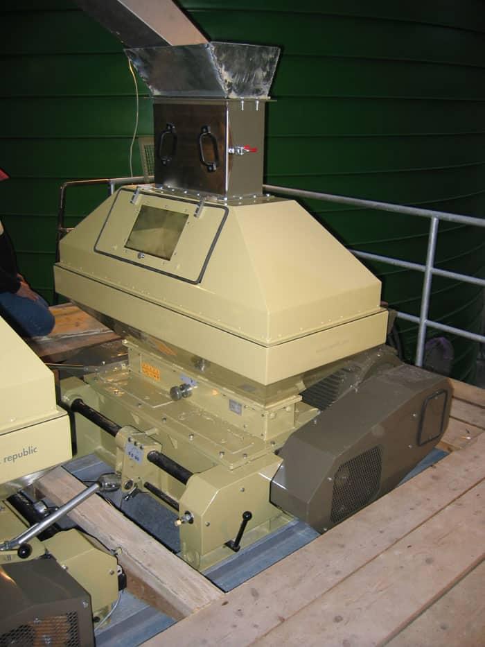 Kompletní sestava mmr 1200 - MMR-1200: Sladovna - stroj na mačkání sladových zrn, 45kW 9000-11100 kg / h - široké válce